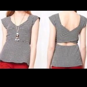 Houndstooth Top with Criss Cross Back Sz L